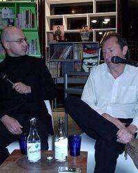 Göran Semb intervjuar David Lloyd på Serieteket i Stockholm 2005